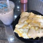 チーズ入り蛋餅食べ比べ