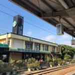 旧駅舎を利用したスターバックスコーヒー(新豊店・新竹新豐門市)